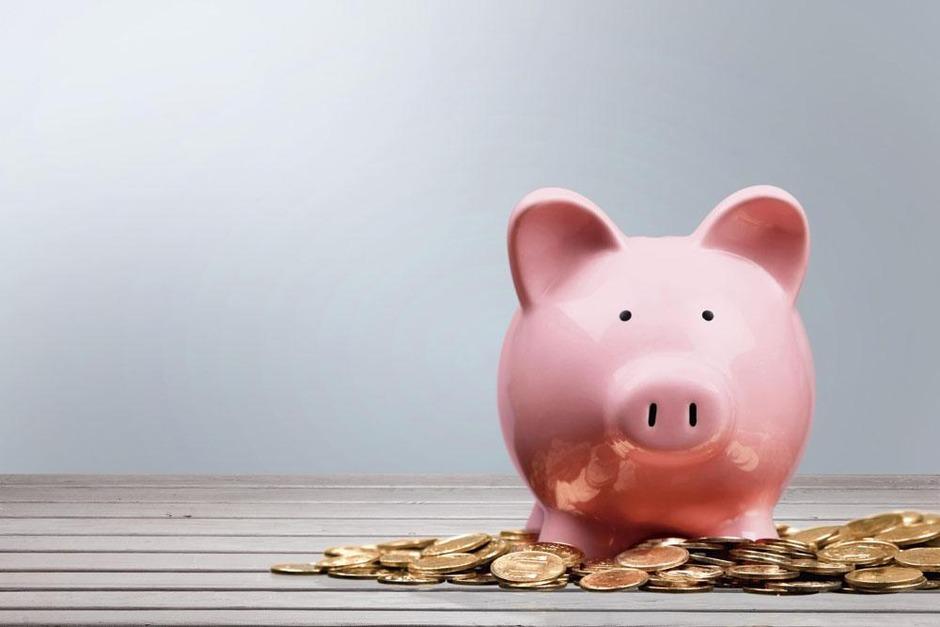 Les pensions complémentaires permettent de maintenir un niveau de vie quand la retraite arrive. Mais il existe des différences de taille entre l'épargne-pension et l'épargne à long terme.
